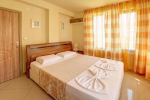 Family Hotel Allegra, Hotely  Obzor - big - 12