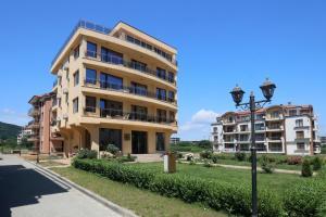 Family Hotel Allegra, Hotely  Obzor - big - 35