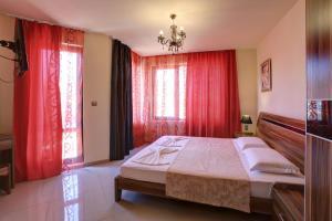 Family Hotel Allegra, Hotely  Obzor - big - 18