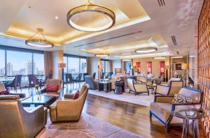 Executive King Room with Executive Lounge Benefit