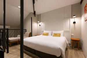 Duplex Suite with King Bed