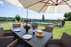 Villa Les Roses Noires, Case vacanze  Singleyrac - big - 24