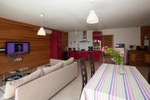 Villa Les Roses Noires, Case vacanze  Singleyrac - big - 31