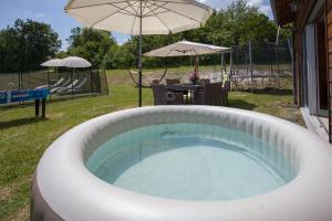 Villa Les Roses Noires, Case vacanze  Singleyrac - big - 33