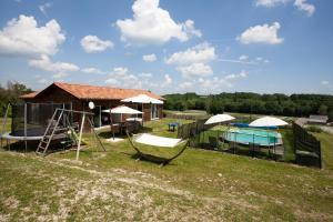 Villa Les Roses Noires, Case vacanze  Singleyrac - big - 35