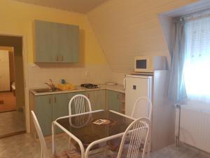 Richie II. Apartman, Appartamenti  Siófok - big - 26