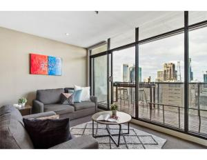 City views from 2 bedder in the heart of Melbourne