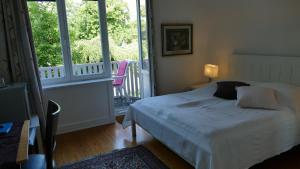 """Standard Double Room with Shared Bathroom with small Balcony """"Blues"""""""