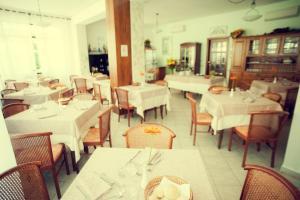 Hotel Eura, Отели  Марина-ди-Масса - big - 42