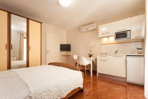 Apartments Alice, Apartments  Rovinj - big - 89