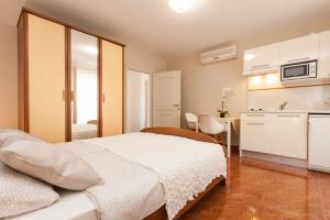 Apartments Alice, Apartments  Rovinj - big - 93