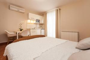 Apartments Alice, Apartments  Rovinj - big - 94