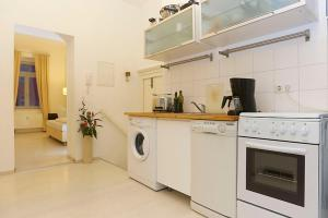One-Bedroom Apartment with an open Kitchen and Balcony (50 m2)