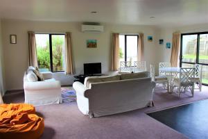 Cozy Home, Prázdninové domy  Rotorua - big - 13