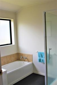 Cozy Home, Prázdninové domy  Rotorua - big - 6