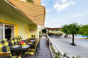 Apartment Podstrana 13393a
