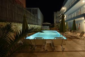 Kiwi Hotel, Hotely  Nea Fokea - big - 1