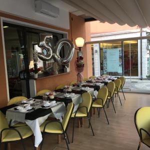 Hotel Firenze, Hotels  Malcesine - big - 37