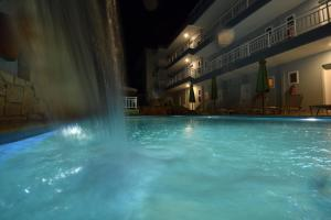Kiwi Hotel, Hotels  Nea Fokea - big - 26