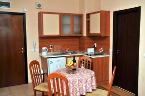 TES Flora Apartments, Apartments  Borovets - big - 5