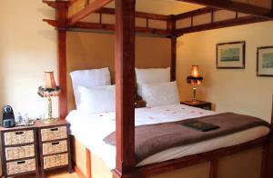 Habitación Doble con cama grande 3