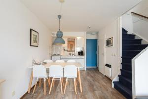 Kaap appartementen, Apartmanok  Hollum - big - 52