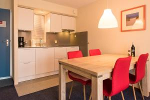 Kaap appartementen, Apartmanok  Hollum - big - 47