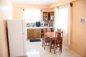 Ri Biero's Holiday Apartments, Apartmány  Crown Point - big - 27