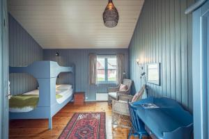 Håholmen Havstuer, Hotel  Karvåg - big - 17