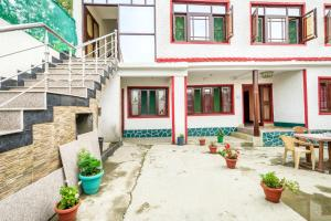 1 BR Guest house in Dal gate, Srinagar, by GuestHouser (9D5C)