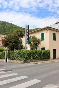 Hotel Giardino delle Rose (Dépendance) - AbcAlberghi.com