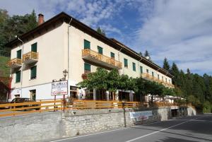 Albergo Colle di Nava Lorenzina - AbcAlberghi.com