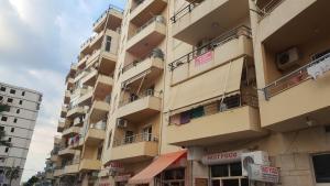 Casa vista a mare, Apartments  Durrës - big - 3