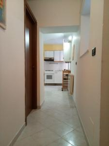 Ampio e fornito appartamento in zona centrale - AbcAlberghi.com