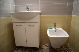 Pension Grant Lux Znojmo, Отели типа «постель и завтрак»  Зноймо - big - 51