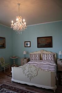 Pension Grant Lux Znojmo, Отели типа «постель и завтрак»  Зноймо - big - 59