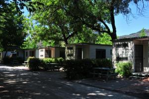 Bright Pine Valley Tourist Park, Комплексы для отдыха с коттеджами/бунгало  Брайт - big - 41