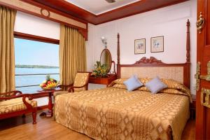 2 BHK Houseboat in Avalookunnu P.O, Alappuzha, by GuestHouser (02D4)