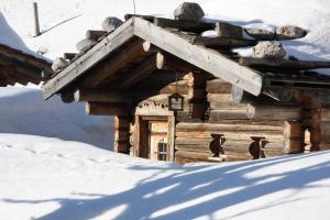Chalet Kuschelhütte, Chalet  Ramsau am Dachstein - big - 23