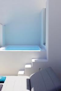 Alti Santorini Suites, Villas  Megalokhori - big - 71