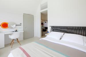 Alti Santorini Suites, Villas  Megalokhori - big - 88