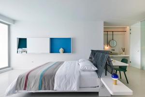Alti Santorini Suites, Villas  Megalokhori - big - 94