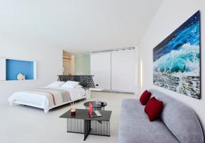 Alti Santorini Suites, Villas  Megalokhori - big - 98