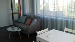 Apartment with sea view and two bedrooms, Apartmány  St. St. Constantine and Helena - big - 12