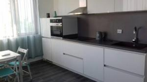 Apartment with sea view and two bedrooms, Apartmány  St. St. Constantine and Helena - big - 17