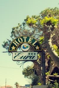 Hotel Eura, Отели  Марина-ди-Масса - big - 84