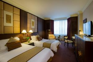 Business Deluxe Double or Twin Room