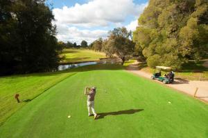 cluBarham Golf Resort