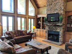 Buckhorn Lodge Home