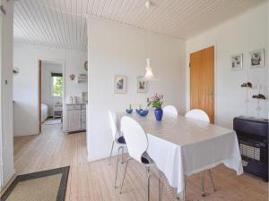 Three-Bedroom Holiday Home in Juelsminde, Dovolenkové domy  Sønderby - big - 11